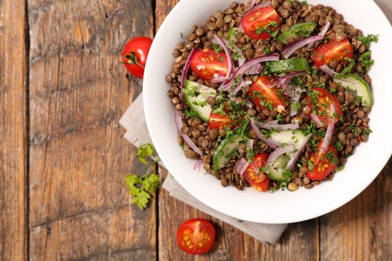 Salade de Lentilles et Oignons Rouges